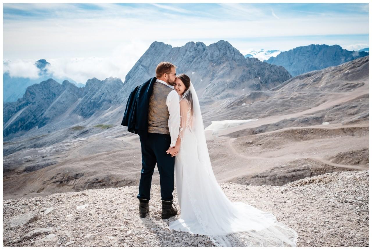 hochzeitsfoto eibsee zugspitze gamisch hochzeitsfotograf foto paarshooting 8 - Hochzeitsfotos am Eibsee