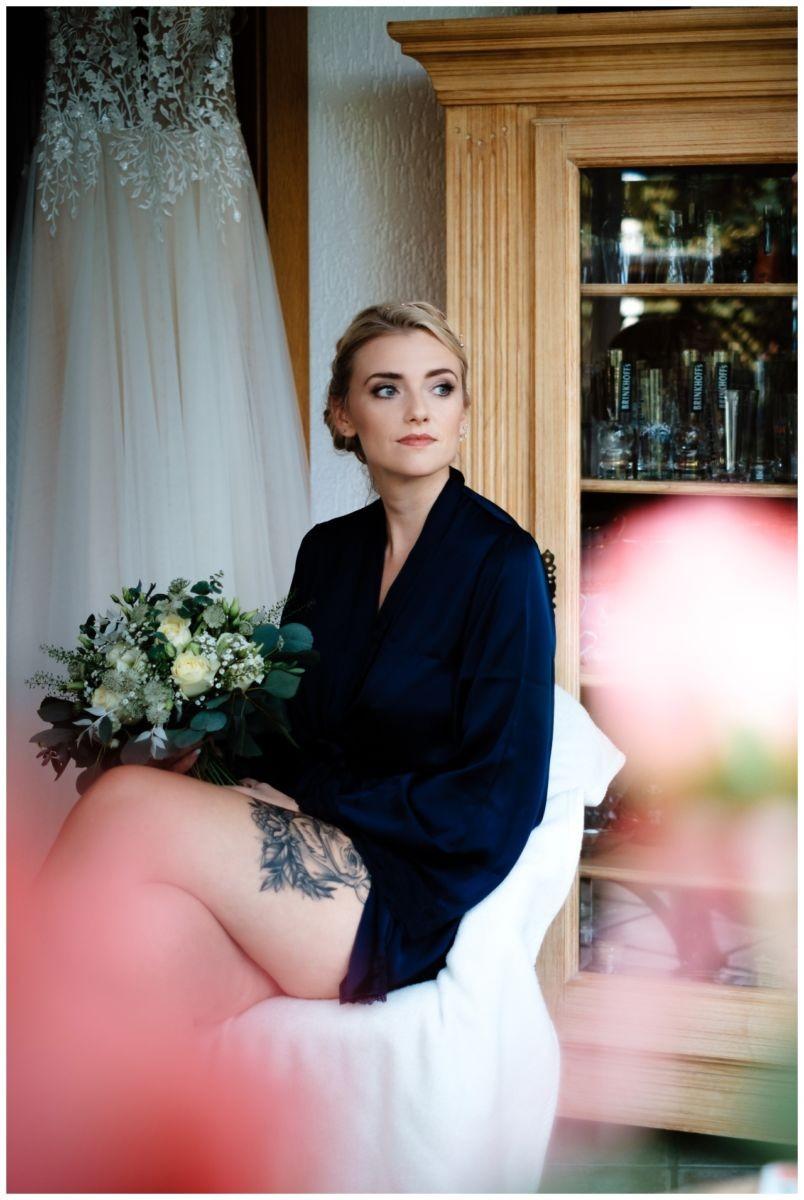 Gartenhochzeit hochzeit garten draussen fotograf corona hochzeitsfotograf 15 - DIY Hochzeit im Garten