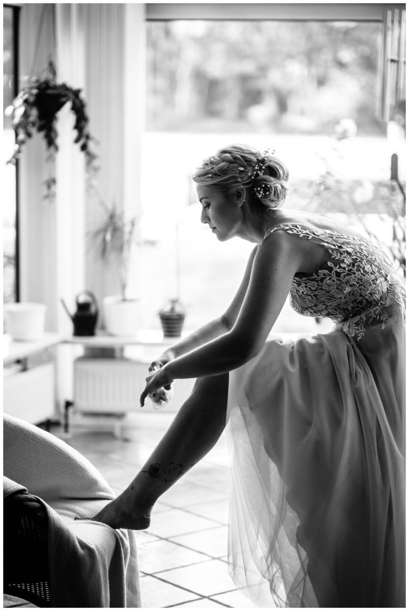 Gartenhochzeit hochzeit garten draussen fotograf corona hochzeitsfotograf 18 - DIY Hochzeit im Garten