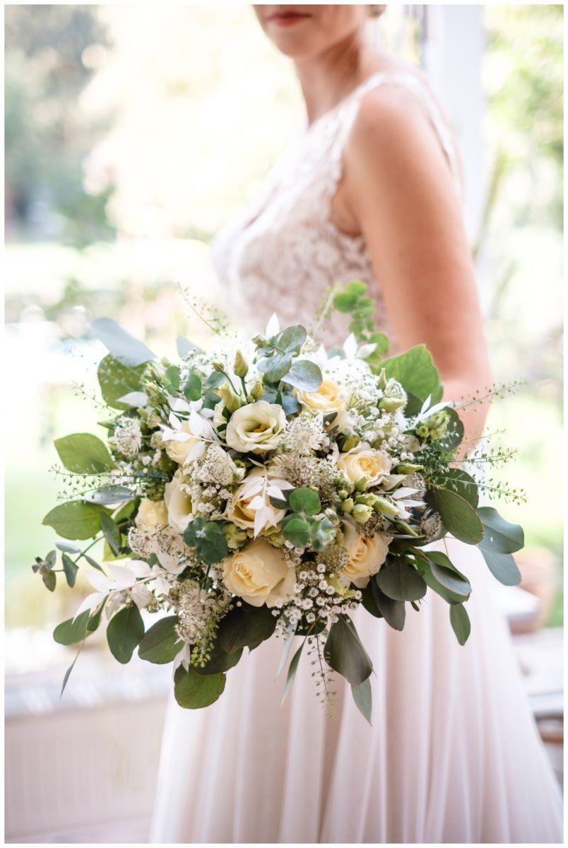 Gartenhochzeit hochzeit garten draussen fotograf corona hochzeitsfotograf 26 - DIY Hochzeit im Garten