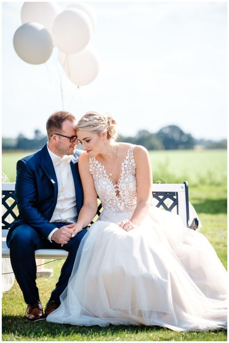 Gartenhochzeit hochzeit garten draussen fotograf corona hochzeitsfotograf 33 - DIY Hochzeit im Garten