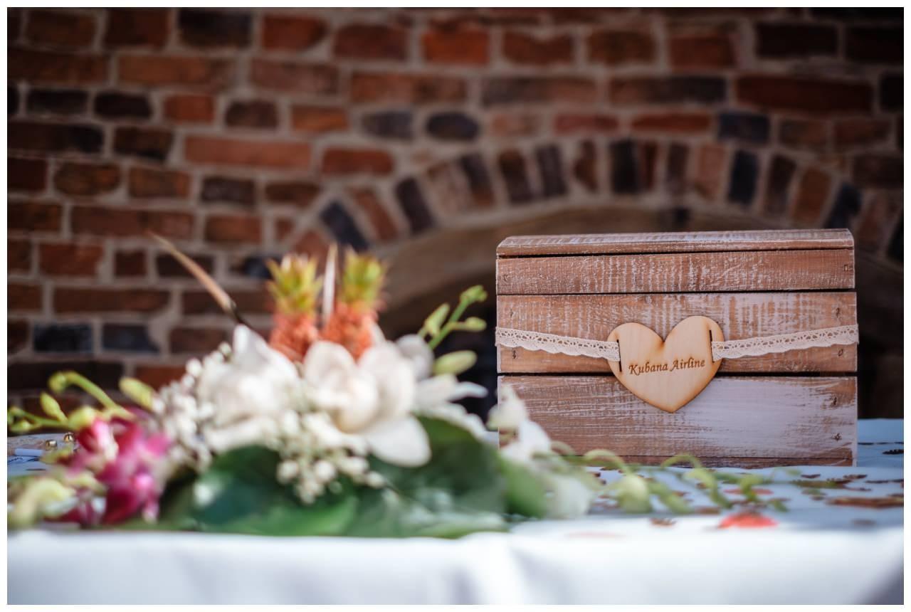 Hochzeit Schloss Herten Ruhrgebiet Hawaii Asiaten Hochzeitsfotograf heiraten 43 - Hawaii Hochzeit auf Schloss Herten