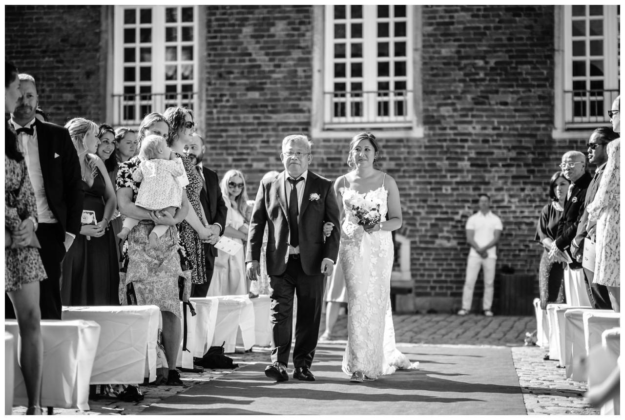 Hochzeit Schloss Herten Ruhrgebiet Hawaii Asiaten Hochzeitsfotograf heiraten 51 - Hawaii Hochzeit auf Schloss Herten