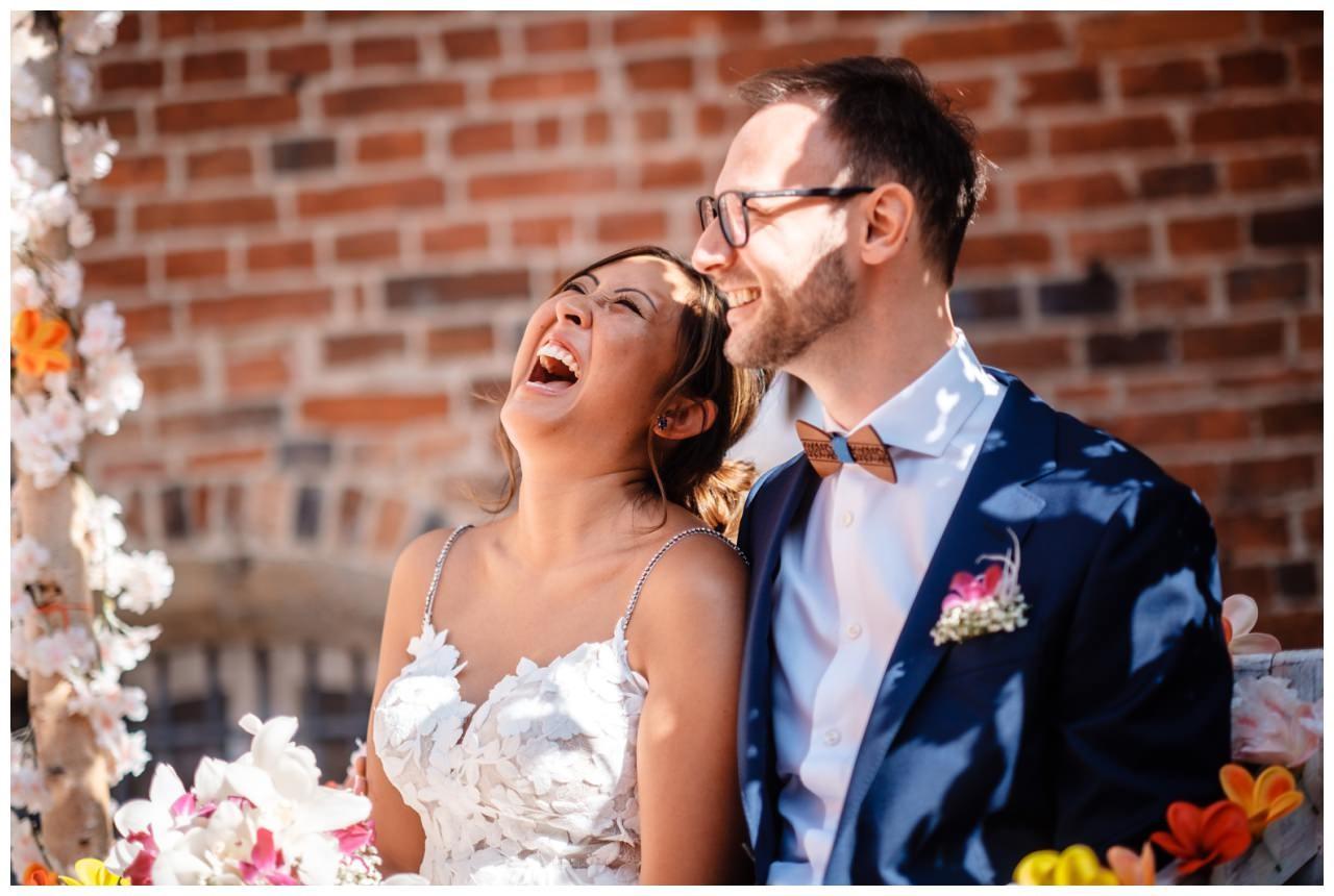 Hochzeit Schloss Herten Ruhrgebiet Hawaii Asiaten Hochzeitsfotograf heiraten 55 - Hawaii Hochzeit auf Schloss Herten