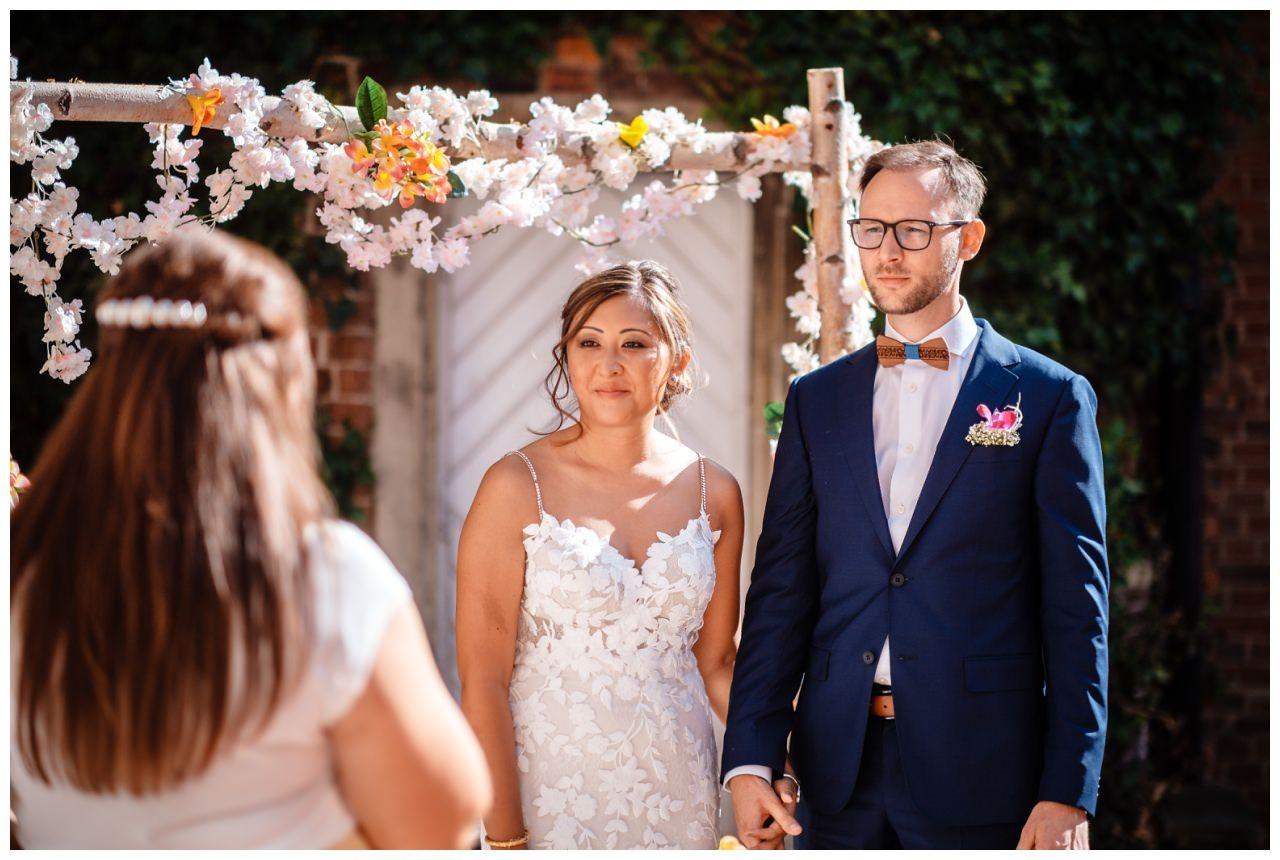 Hochzeit Schloss Herten Ruhrgebiet Hawaii Asiaten Hochzeitsfotograf heiraten 59 - Hawaii Hochzeit auf Schloss Herten