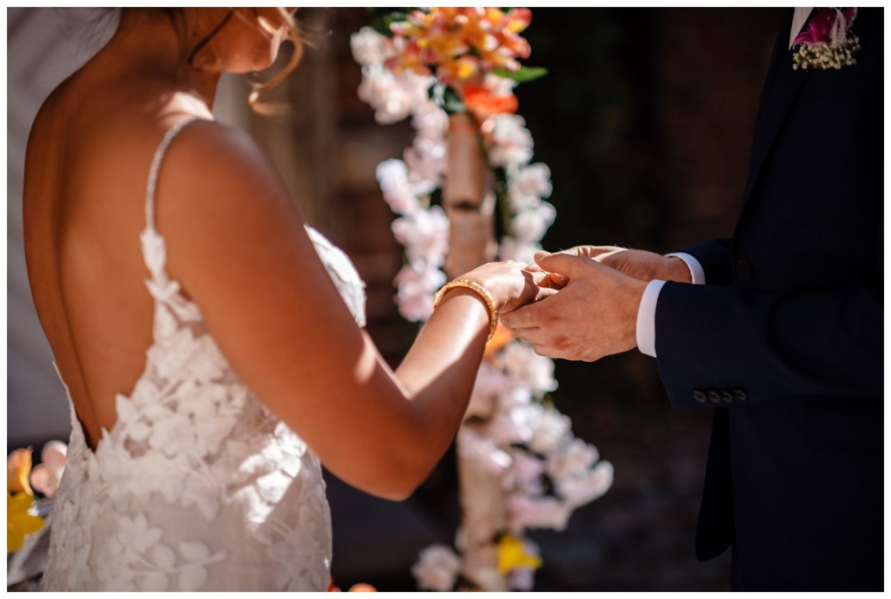 Hochzeit Schloss Herten Ruhrgebiet Hawaii Asiaten Hochzeitsfotograf heiraten 60 - Hawaii Hochzeit auf Schloss Herten