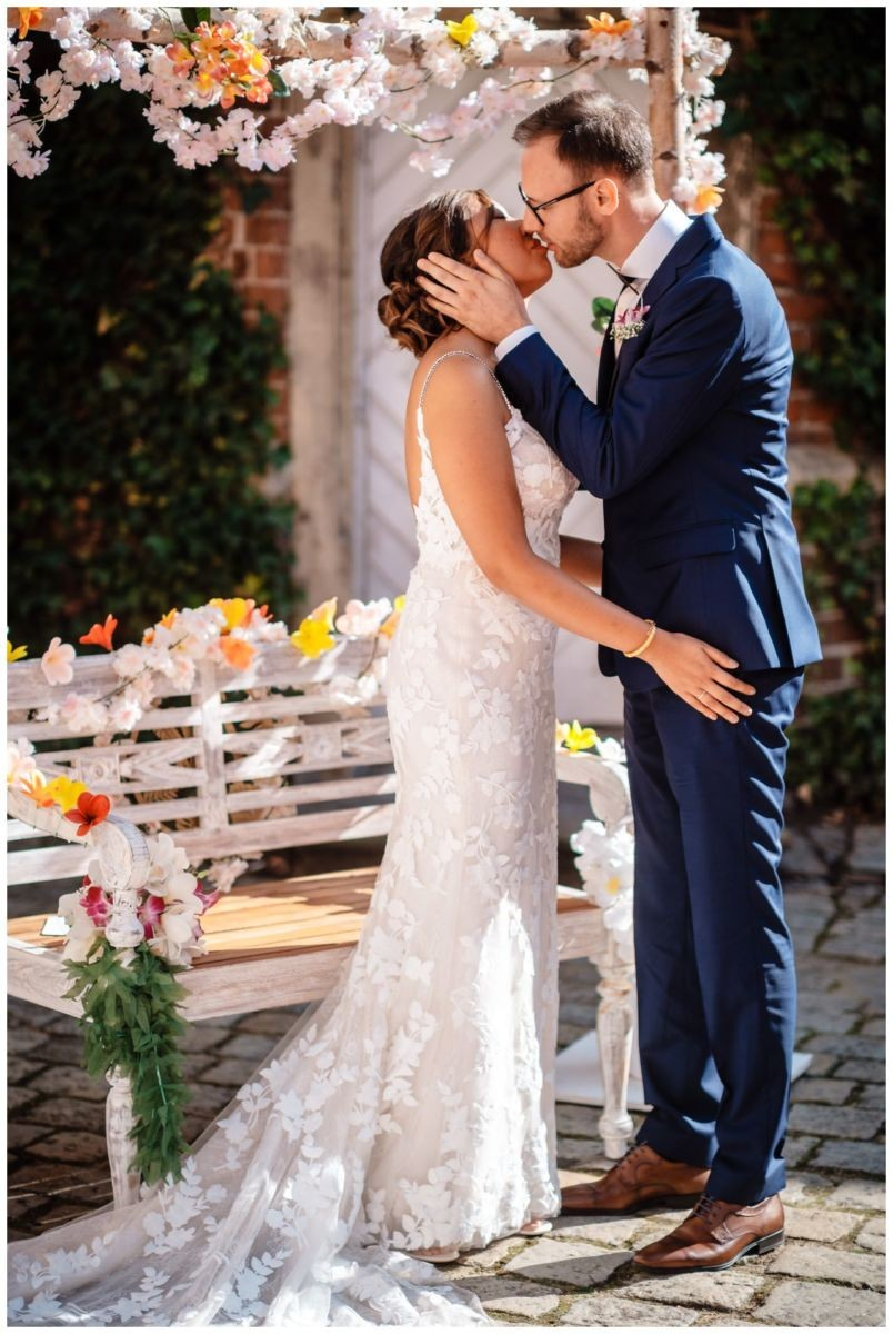Hochzeit Schloss Herten Ruhrgebiet Hawaii Asiaten Hochzeitsfotograf heiraten 61 - Hawaii Hochzeit auf Schloss Herten