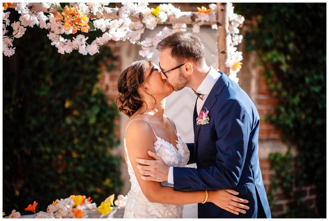 Hochzeit Schloss Herten Ruhrgebiet Hawaii Asiaten Hochzeitsfotograf heiraten 62 - Hawaii Hochzeit auf Schloss Herten