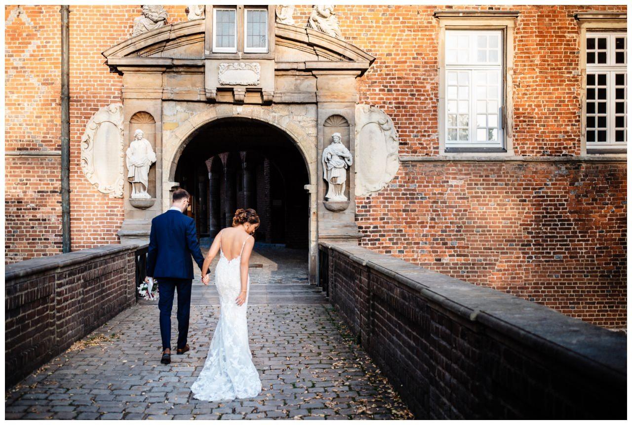 Hochzeit Schloss Herten Ruhrgebiet Hawaii Asiaten Hochzeitsfotograf heiraten 86 - Hawaii Hochzeit auf Schloss Herten