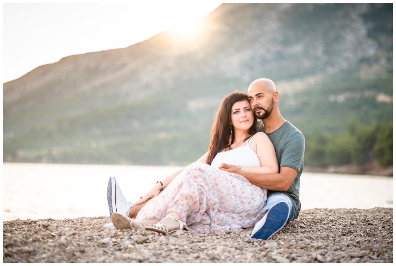 verlobungsshooting strand paarshooting hochzeit hochzeitsfotograf kroatien 13 - Verlobungsshooting am Strand