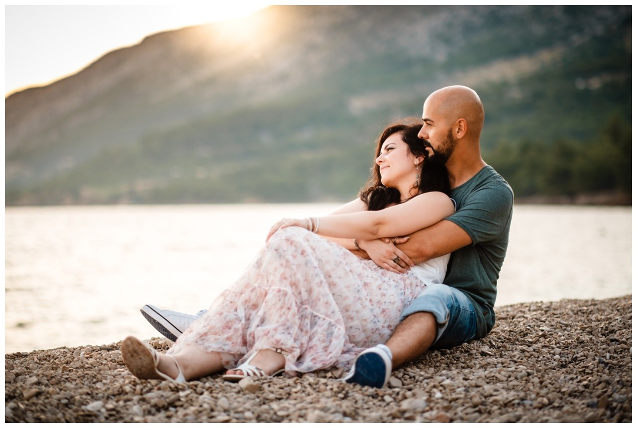 verlobungsshooting strand paarshooting hochzeit hochzeitsfotograf kroatien 14 - Verlobungsshooting am Strand