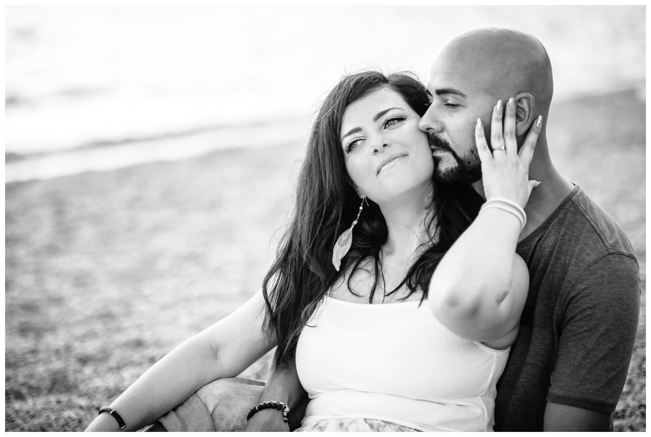 verlobungsshooting strand paarshooting hochzeit hochzeitsfotograf kroatien 16 - Verlobungsshooting am Strand
