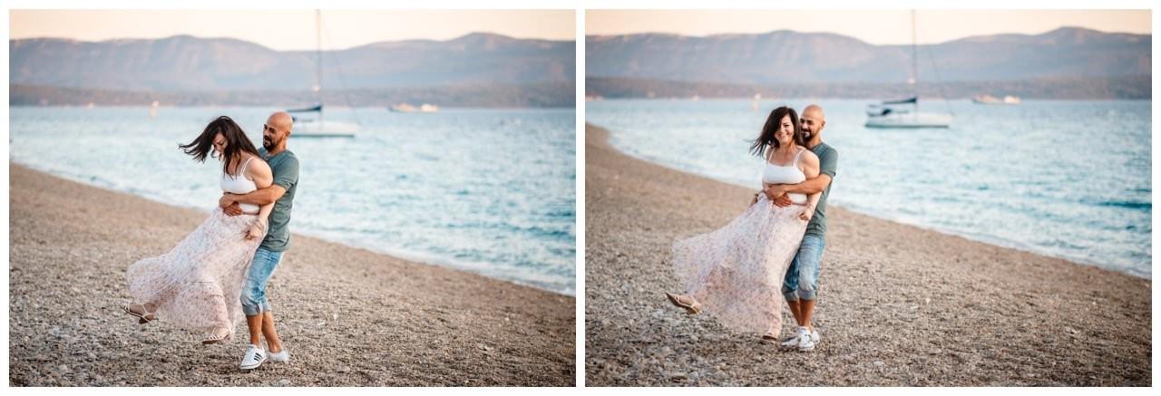 verlobungsshooting strand paarshooting hochzeit hochzeitsfotograf kroatien 18 - Verlobungsshooting am Strand