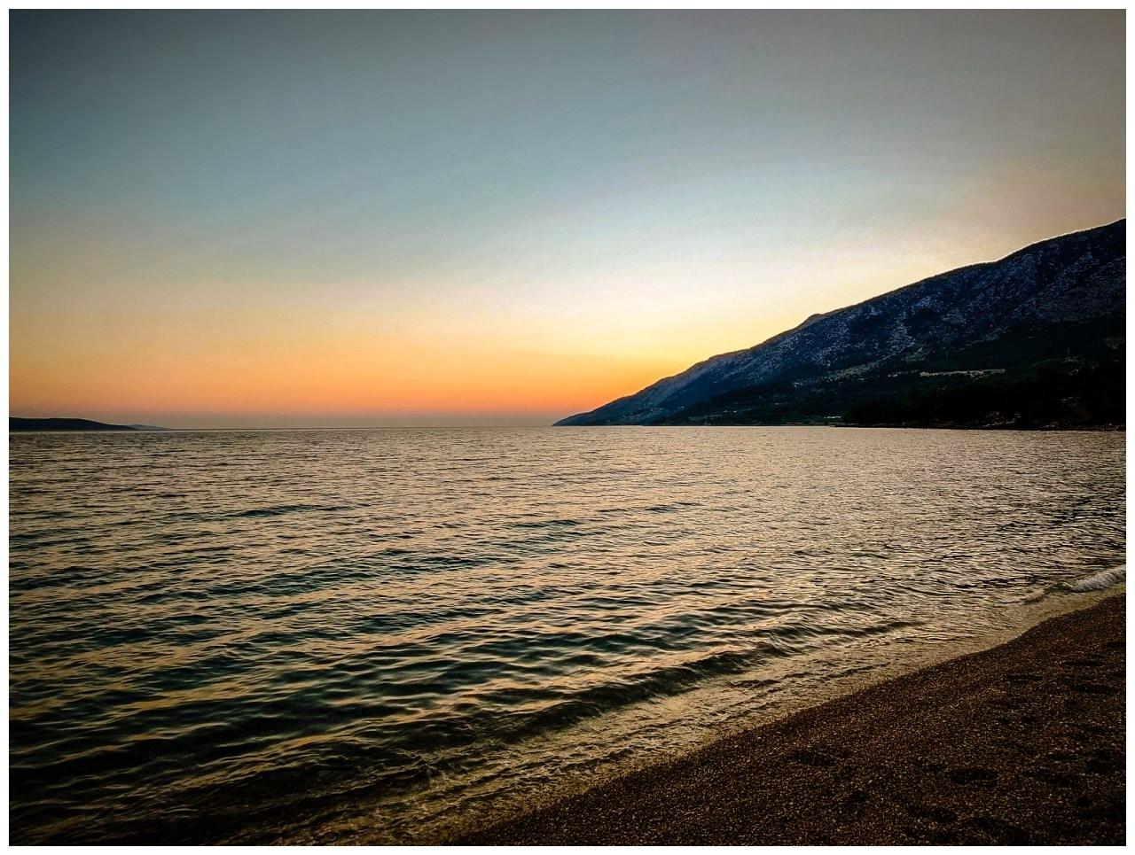 verlobungsshooting strand paarshooting hochzeit hochzeitsfotograf kroatien 2 - Verlobungsshooting am Strand