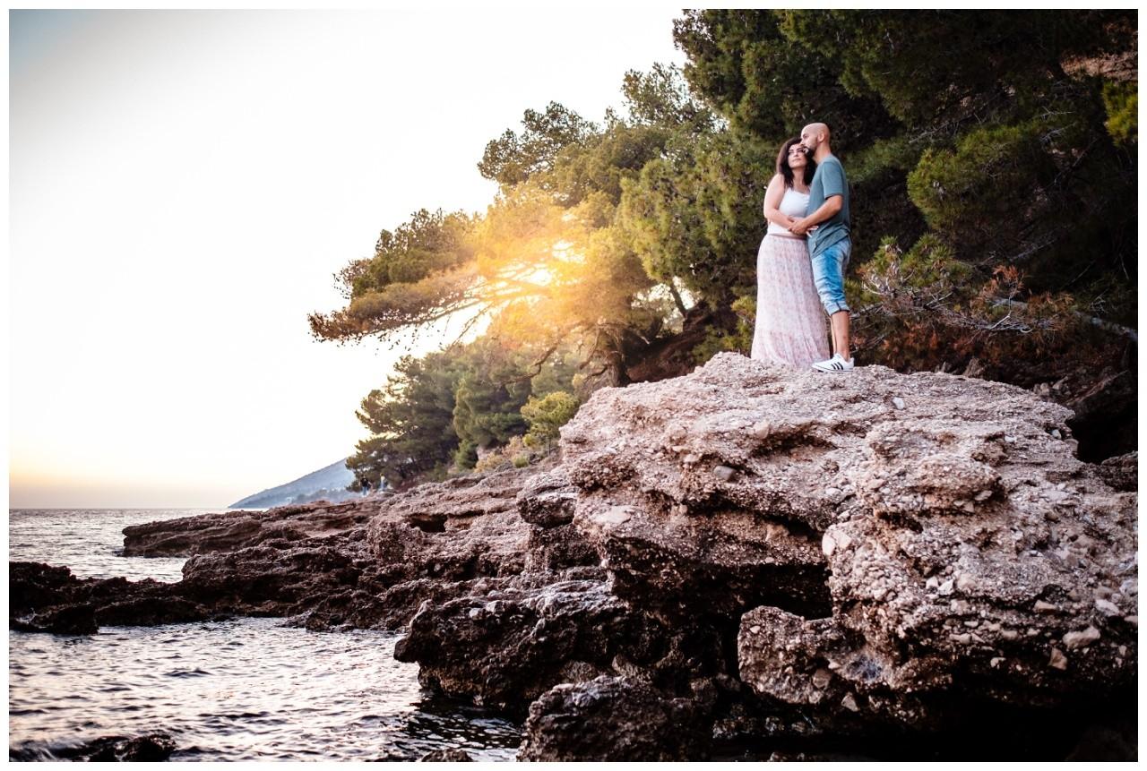 verlobungsshooting strand paarshooting hochzeit hochzeitsfotograf kroatien 25 - Verlobungsshooting am Strand