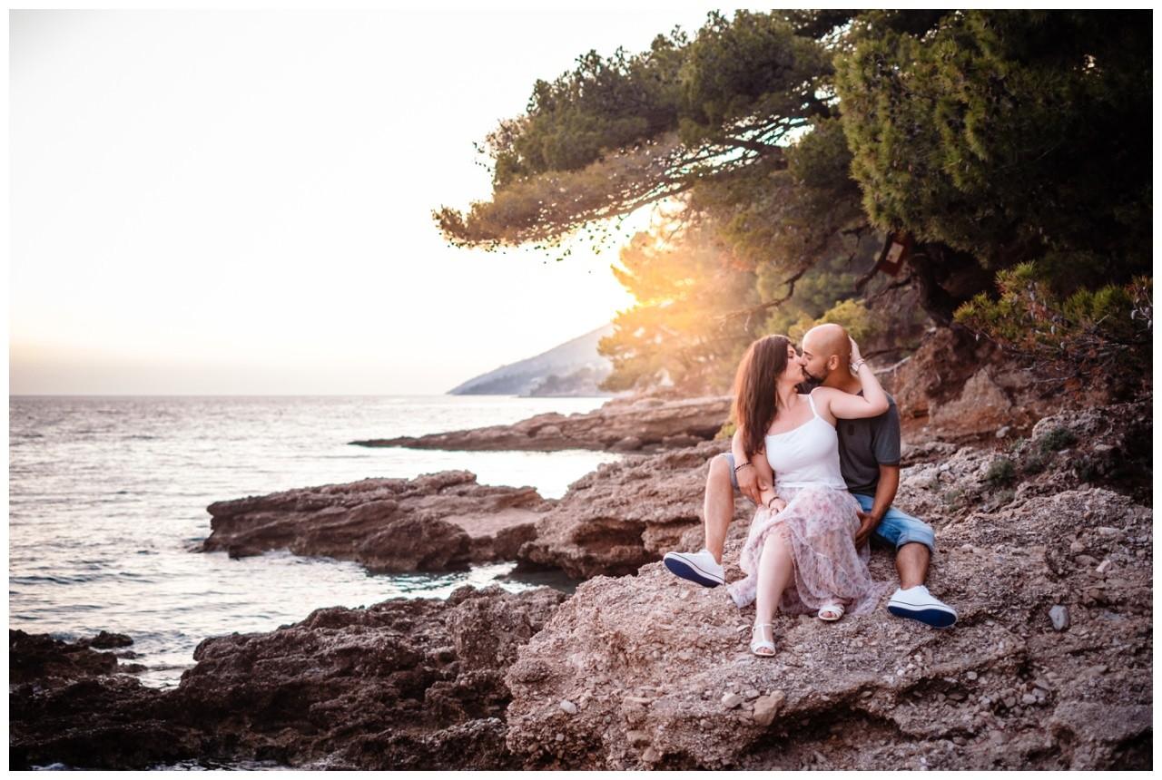 verlobungsshooting strand paarshooting hochzeit hochzeitsfotograf kroatien 26 - Verlobungsshooting am Strand