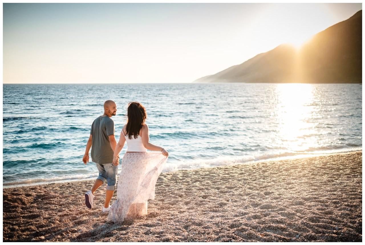 verlobungsshooting strand paarshooting hochzeit hochzeitsfotograf kroatien 3 - Verlobungsshooting am Strand