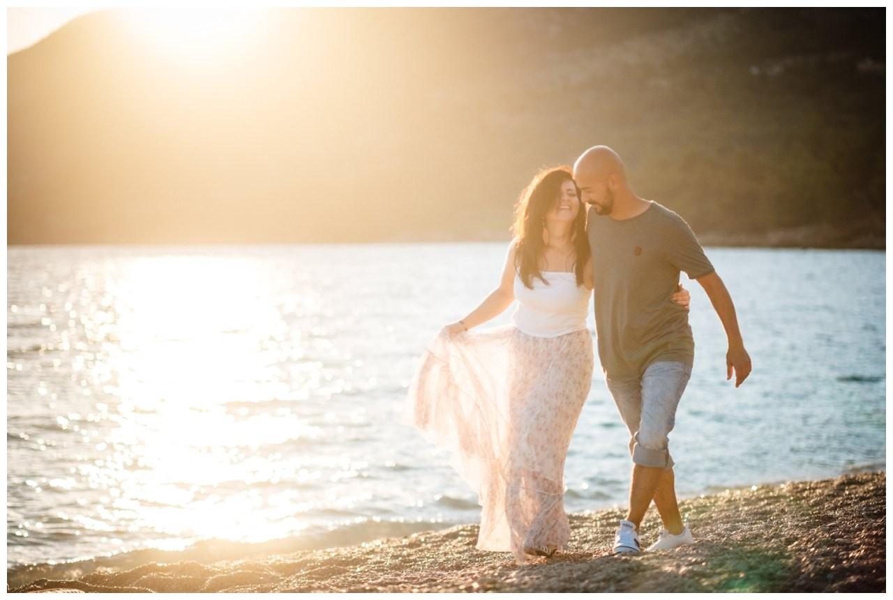 verlobungsshooting strand paarshooting hochzeit hochzeitsfotograf kroatien 5 - Verlobungsshooting am Strand