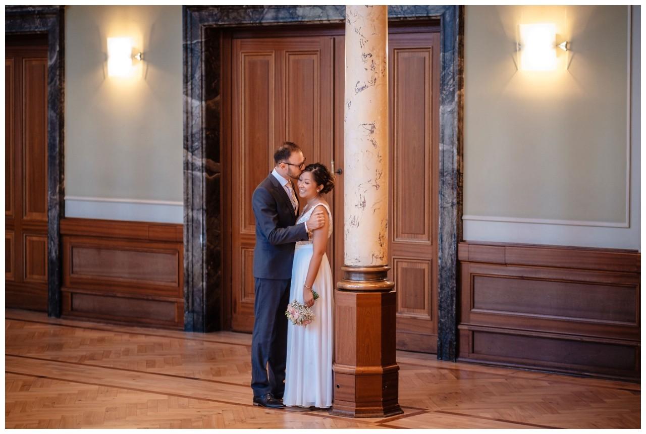 standesamtliche Trauung Stadthalle Wuppertal Hochzeit Fotograf 13 - Standesamtliche Trauung in der historische Stadthalle Wuppertal