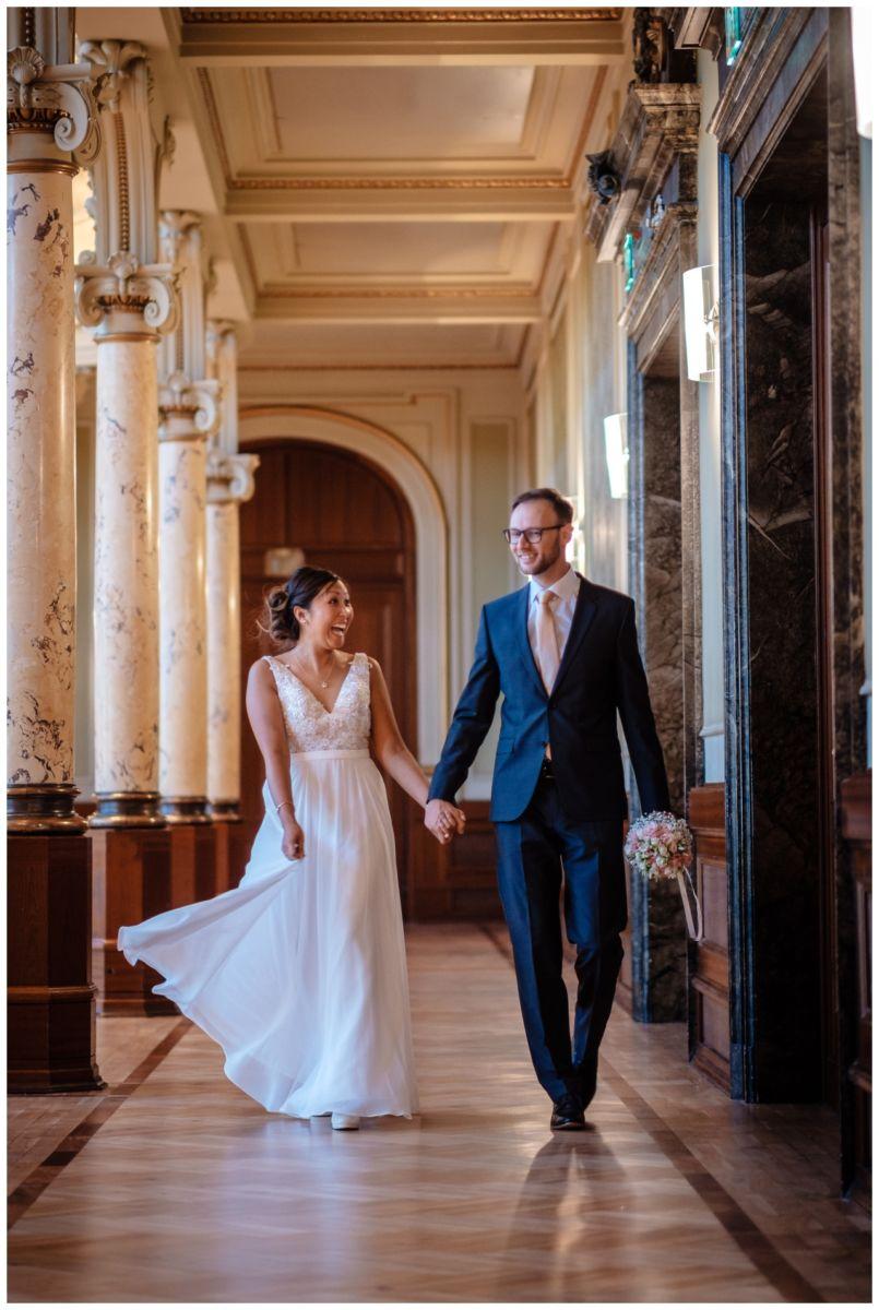 standesamtliche Trauung Stadthalle Wuppertal Hochzeit Fotograf 15 - Standesamtliche Trauung in der historische Stadthalle Wuppertal