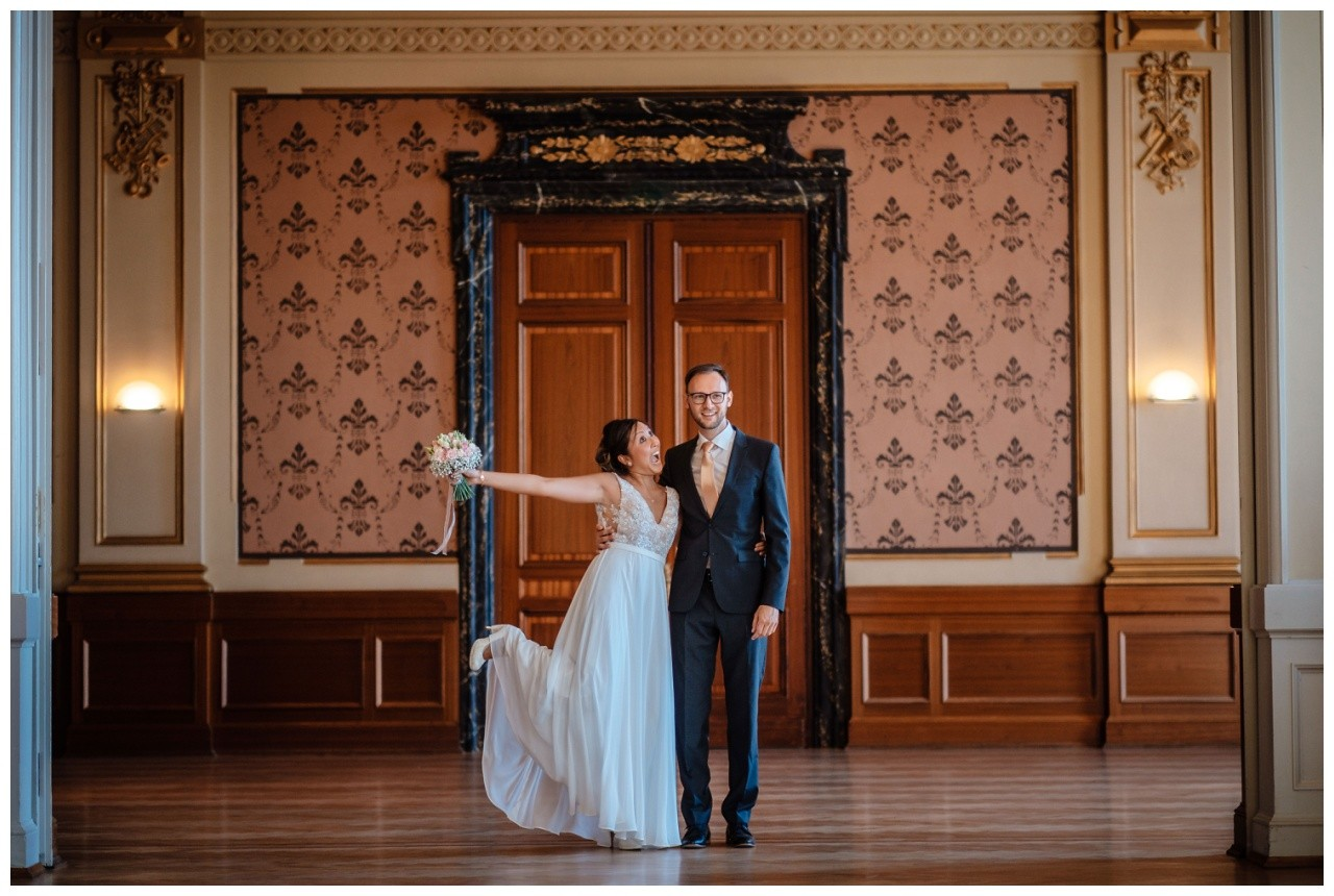 standesamtliche Trauung Stadthalle Wuppertal Hochzeit Fotograf 19 - Standesamtliche Trauung in der historische Stadthalle Wuppertal