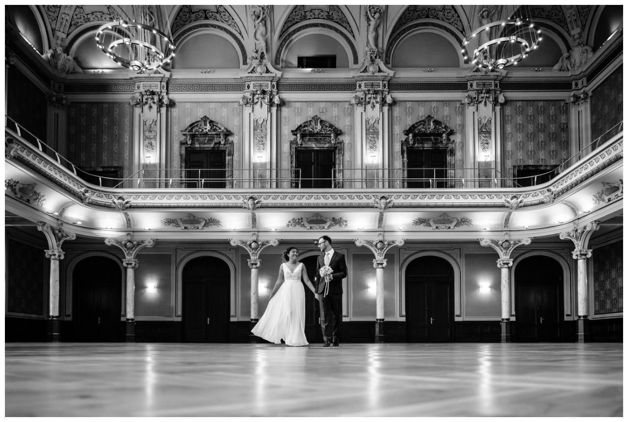 standesamtliche Trauung Stadthalle Wuppertal Hochzeit Fotograf 3 - Standesamtliche Trauung in der historische Stadthalle Wuppertal