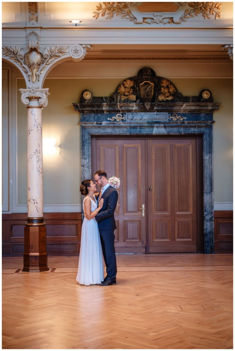 standesamtliche Trauung Stadthalle Wuppertal Hochzeit Fotograf 8 - Standesamtliche Trauung in der historische Stadthalle Wuppertal
