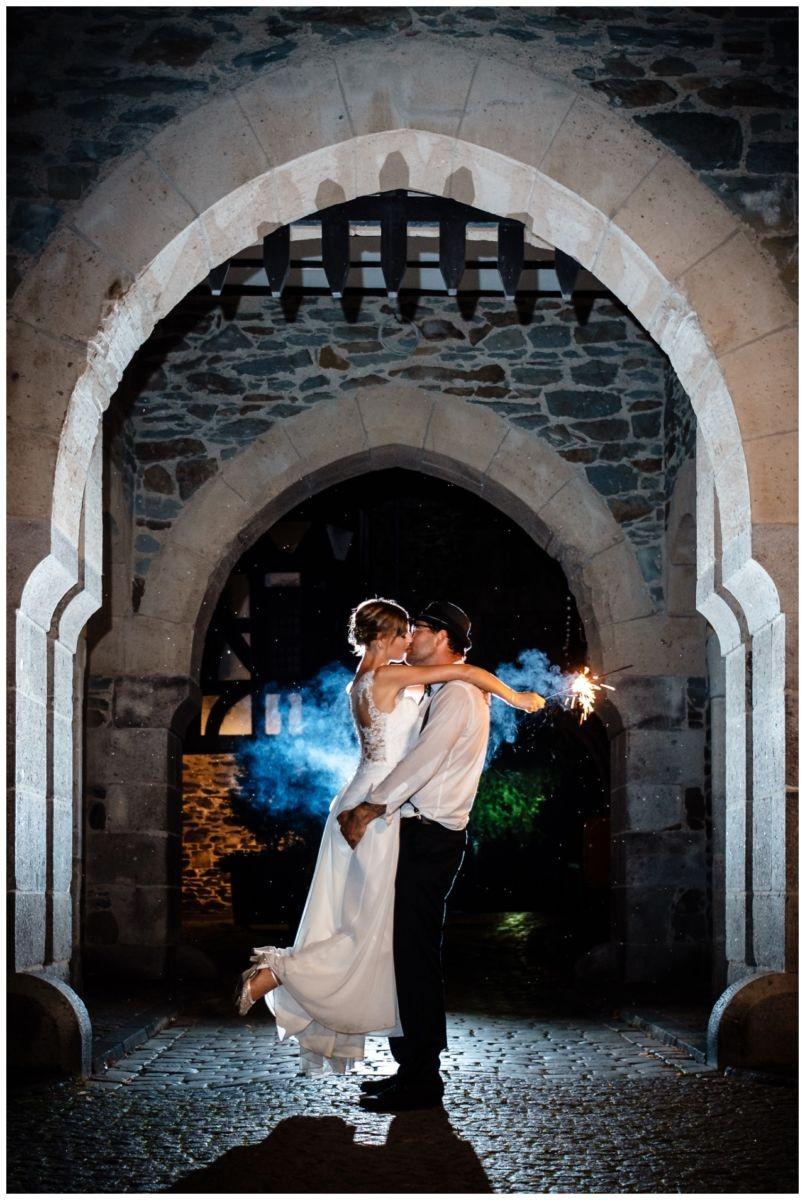 Hochzeit Schloss Burg solingen heiraten hochzietsfotograf 1 - Hochzeit auf Schloss Burg
