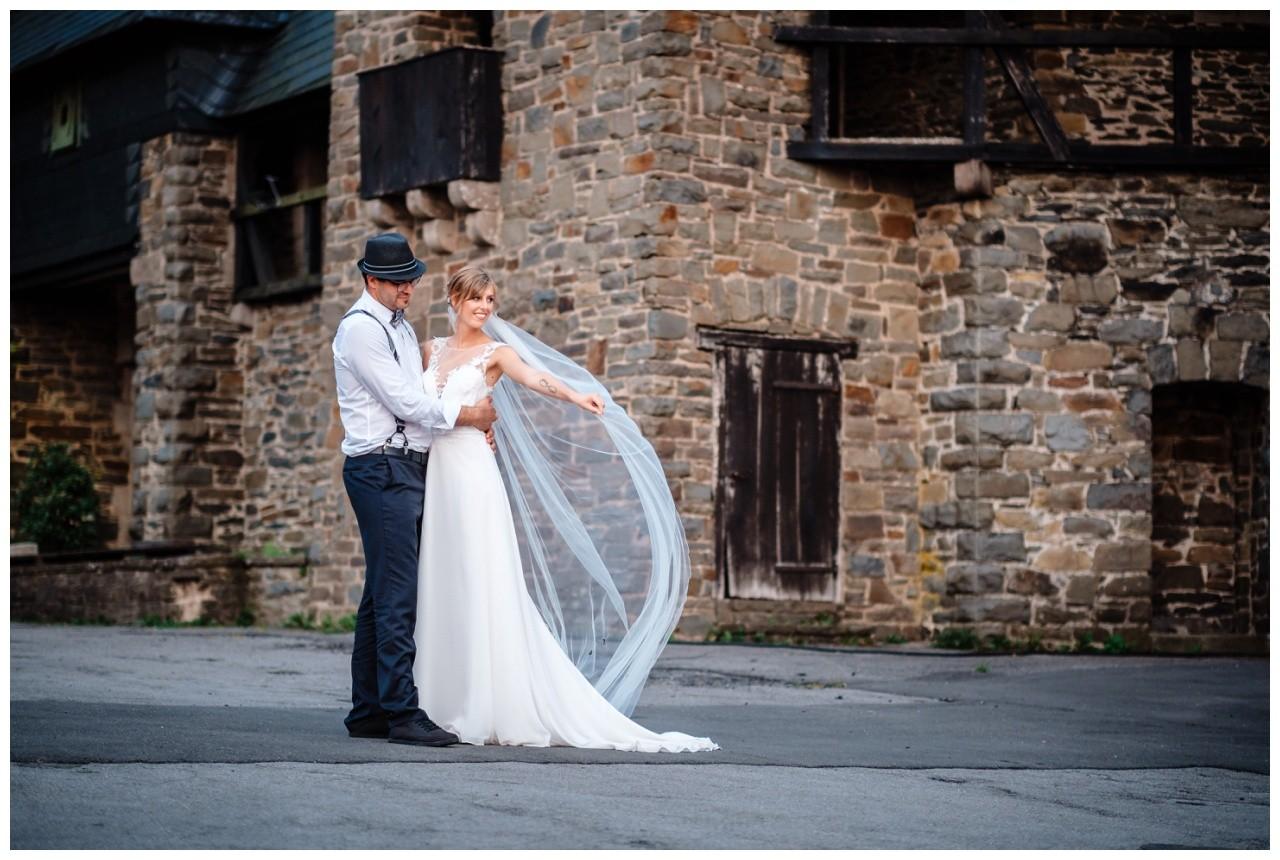Hochzeit Schloss Burg solingen heiraten hochzietsfotograf 77 - Hochzeit auf Schloss Burg