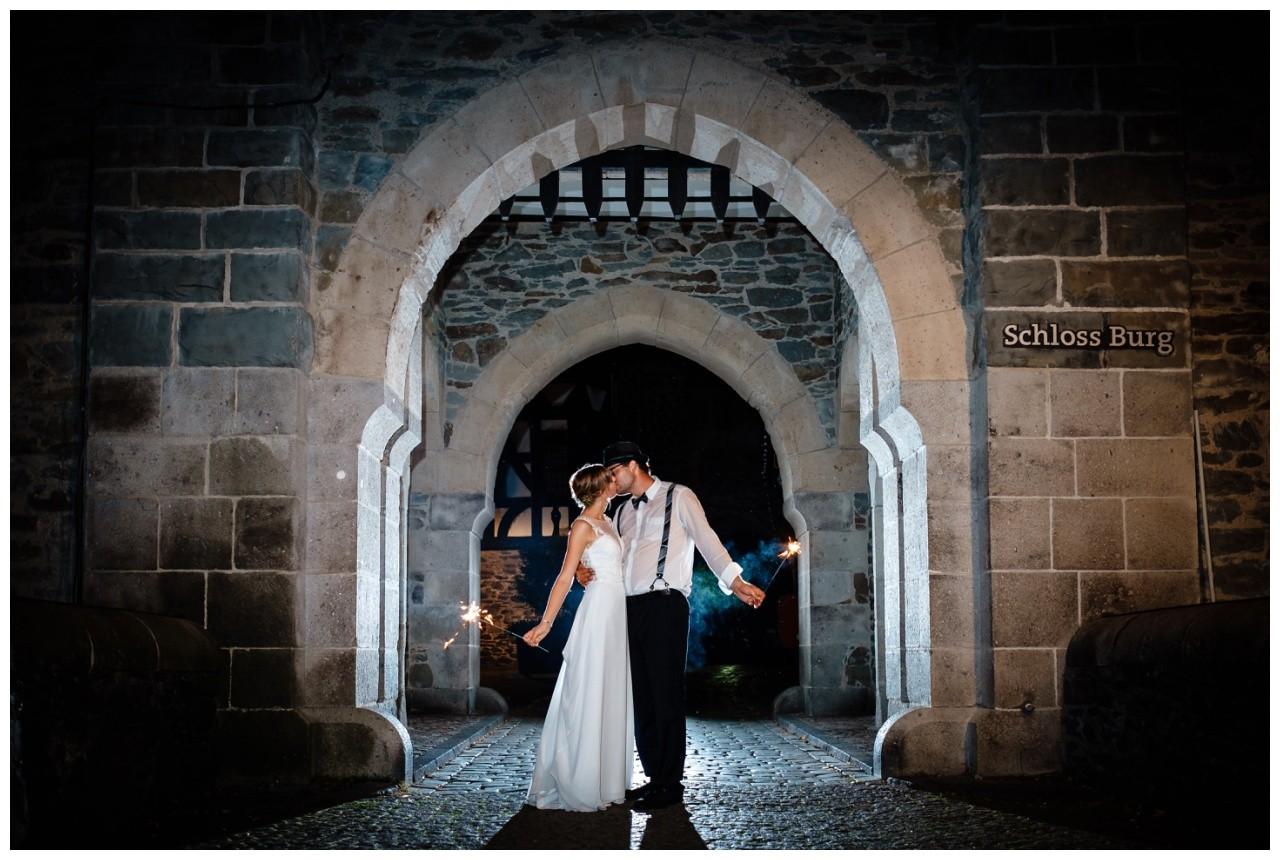 Hochzeit Schloss Burg solingen heiraten hochzietsfotograf 91 - Hochzeit auf Schloss Burg