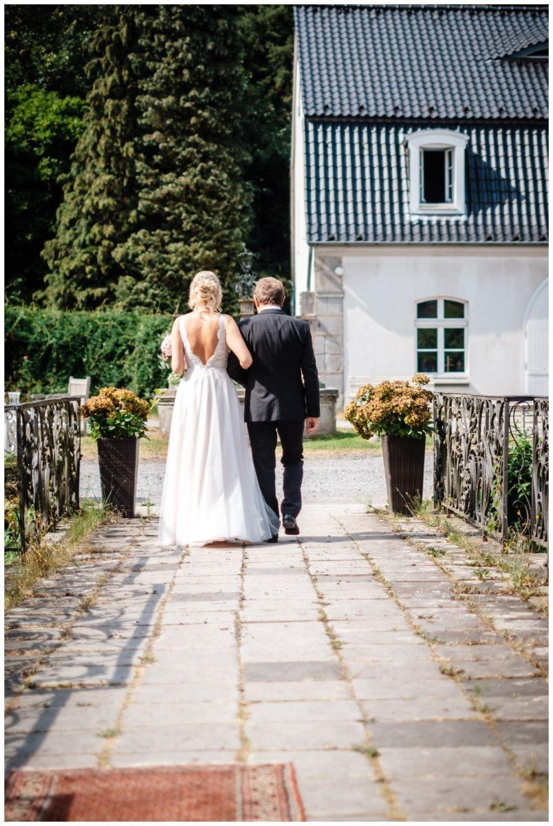 Hochzeit Schloss Hackhausen Fotograf Solingen Freie Trauung 44 - Freie Trauung auf Schloss Hackhausen