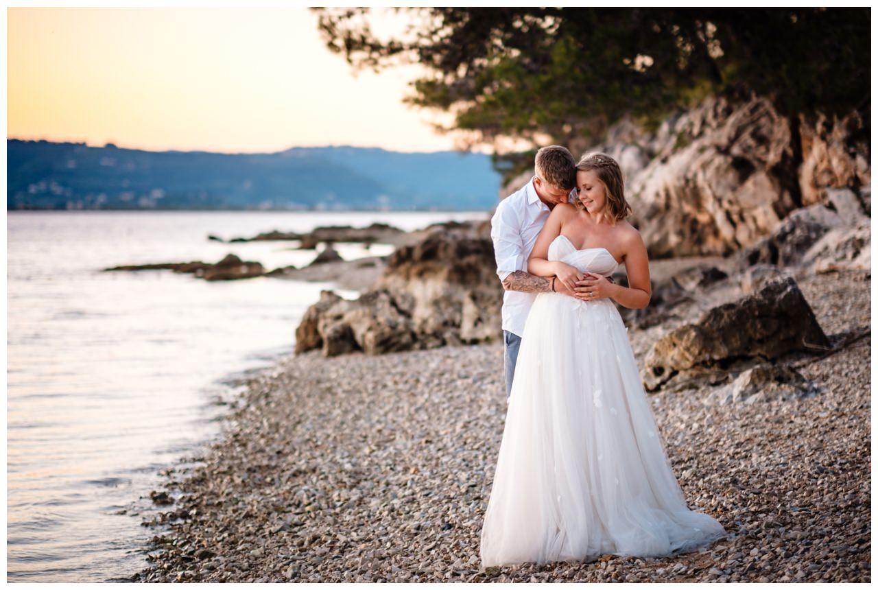 Hochzeitsfotos Strand after wedding Shooting hochzeit kroatien ausland fotograf 19 - After Wedding Shooting in Split