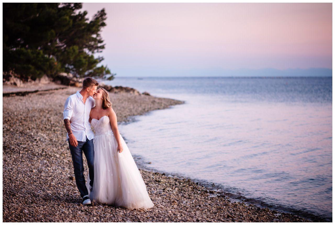 Hochzeitsfotos Strand after wedding Shooting hochzeit kroatien ausland fotograf 2 - After Wedding Shooting in Split