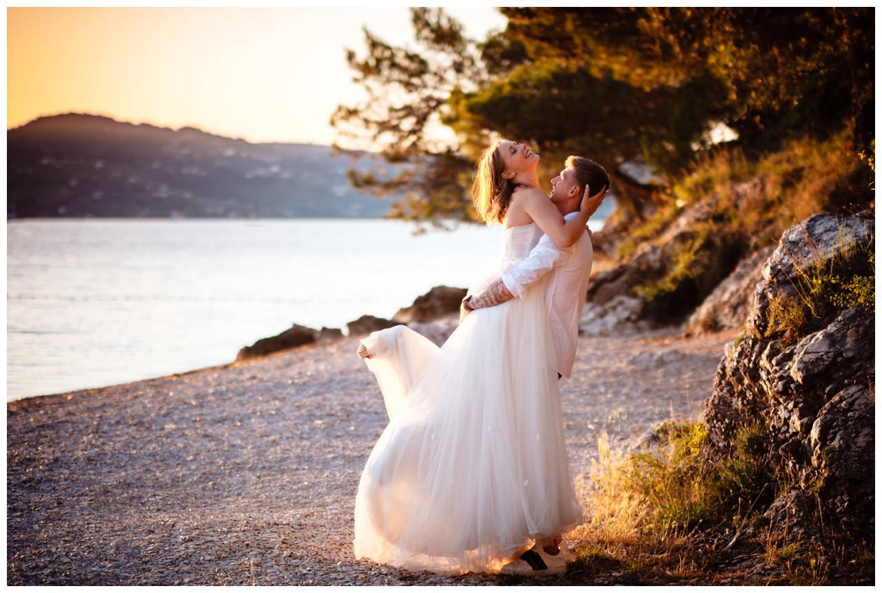 Hochzeitsfotos Strand after wedding Shooting hochzeit kroatien ausland fotograf 29 - After Wedding Shooting in Split