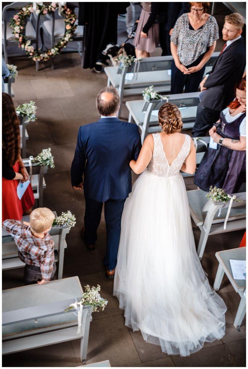 Hochzeit Delling Koeln Hochzeitsfotograf Kapelle 26 - Kirchliche Hochzeit in Kürten