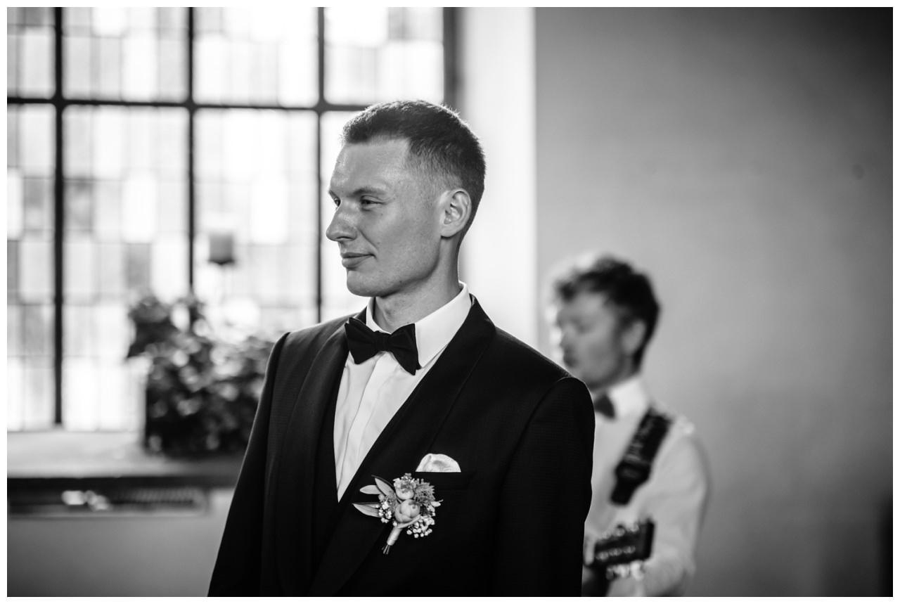 Hochzeit Delling Koeln Hochzeitsfotograf Kapelle 27 - Kirchliche Hochzeit in Kürten