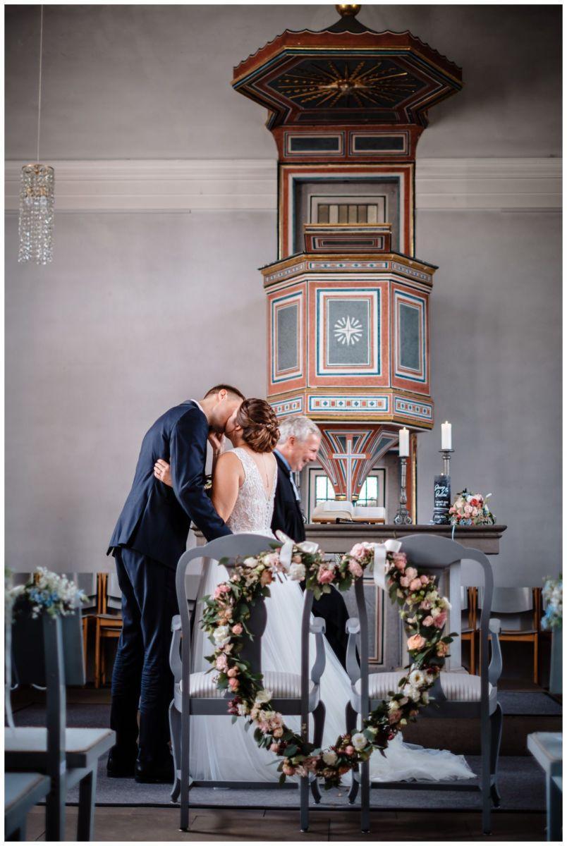 Hochzeit Delling Koeln Hochzeitsfotograf Kapelle 35 - Kirchliche Hochzeit in Kürten