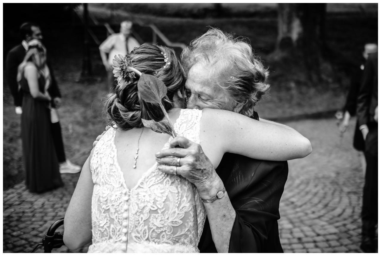 Hochzeit Delling Koeln Hochzeitsfotograf Kapelle 46 - Kirchliche Hochzeit in Kürten