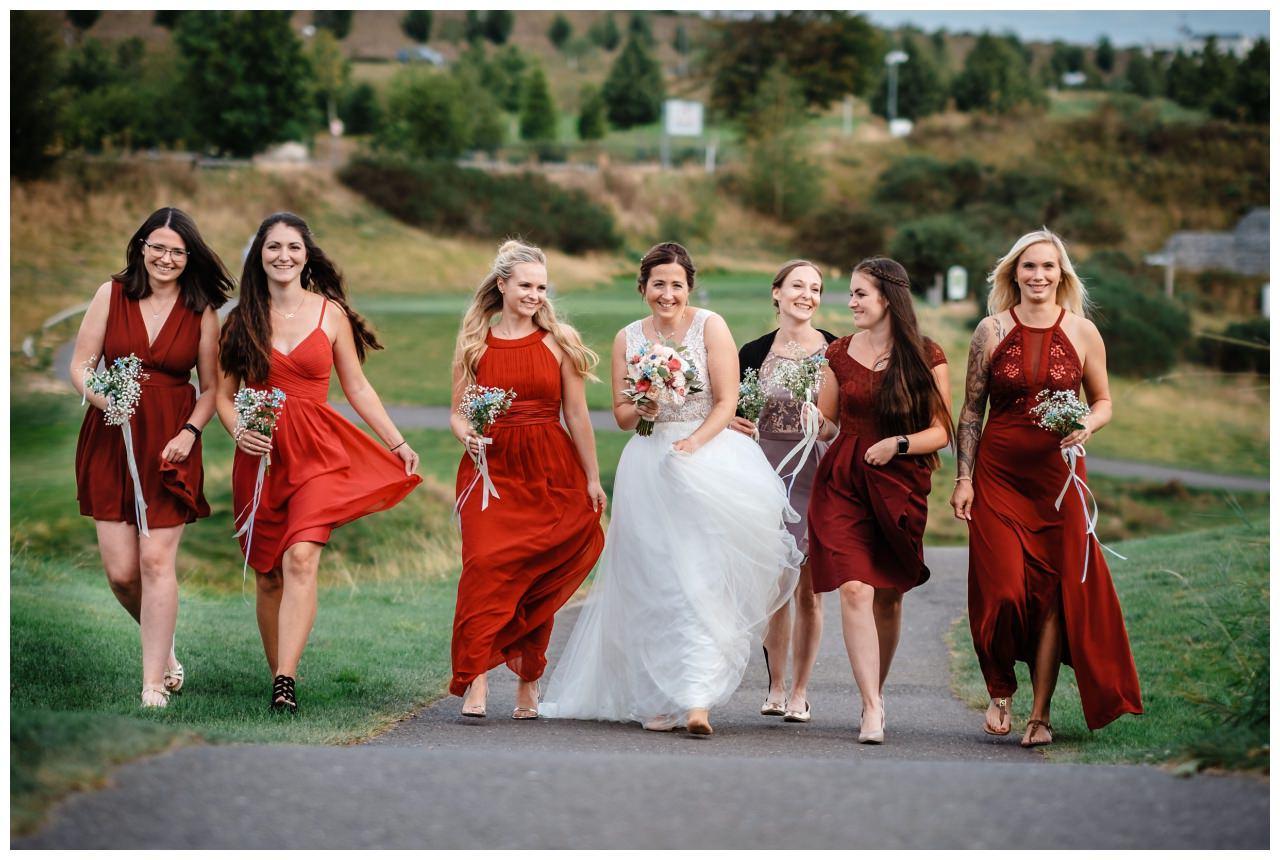 Hochzeit Delling Koeln Hochzeitsfotograf Kapelle 65 - Kirchliche Hochzeit in Kürten