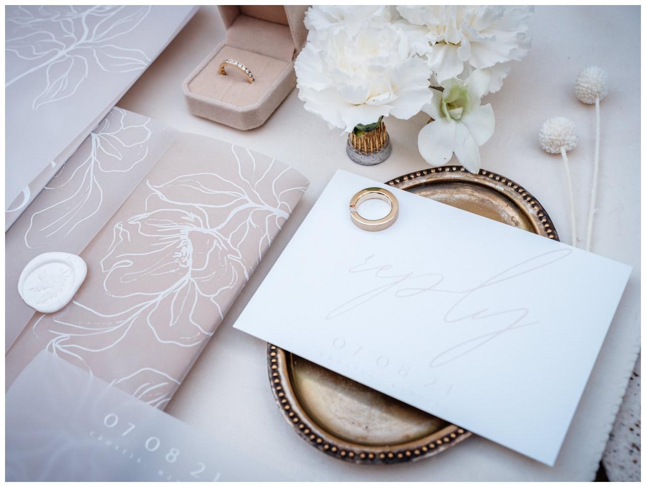 Hochzeitspapeterie Einladungskarte Einladung Hochzeit Flatlay Fotograf 3 - Eure Einladung als Flatlay inszeniert